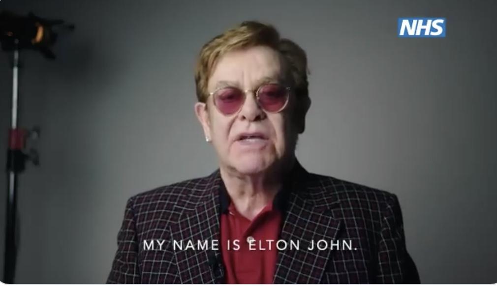 video NHS vaccino Covid-19 Elton John